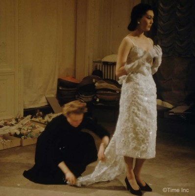 Inside-Christian-Diors-Salon-in-1957g