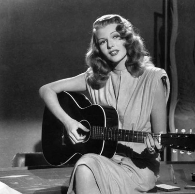 Rita-Hayworth-in-Gilda---film-noir-fashion