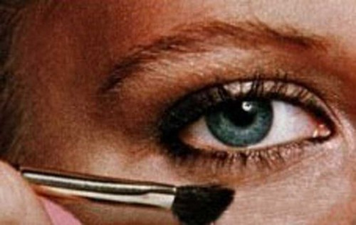 Step-by-step-guide-to-a-new-you-1978-makeup4