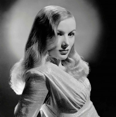 veronica-lake---blue-dahlia