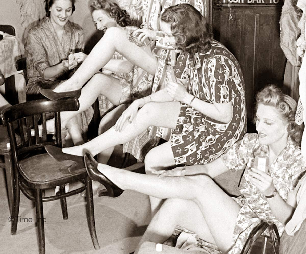 1940s Fashion Liquid Stockings For Summer Glamour Daze