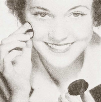 5-Steps-for-a-1930s-Hollywood-makeup-day-look - rouge