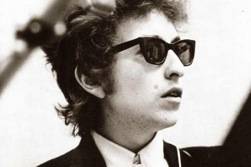 Bob-Dylan---Ray-Ban-wayfarers