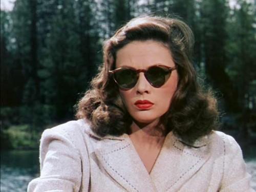 Gene-Tierney---Sunglasses-noir---Leave-her-to-heaven-1945