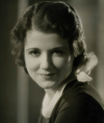 Sidney Fox - 1930s hairstyle