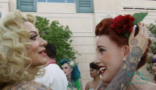 Miss-Rockwell-di-Vil-crowns-Ginger-Watson-Miss-Viva-Las-Vegas-2014.-From-Pin-Up!-The-Movie.