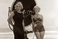 Hollywood-Swimsuit-fashion---Joan-Blondell---Bette-Davis-1932