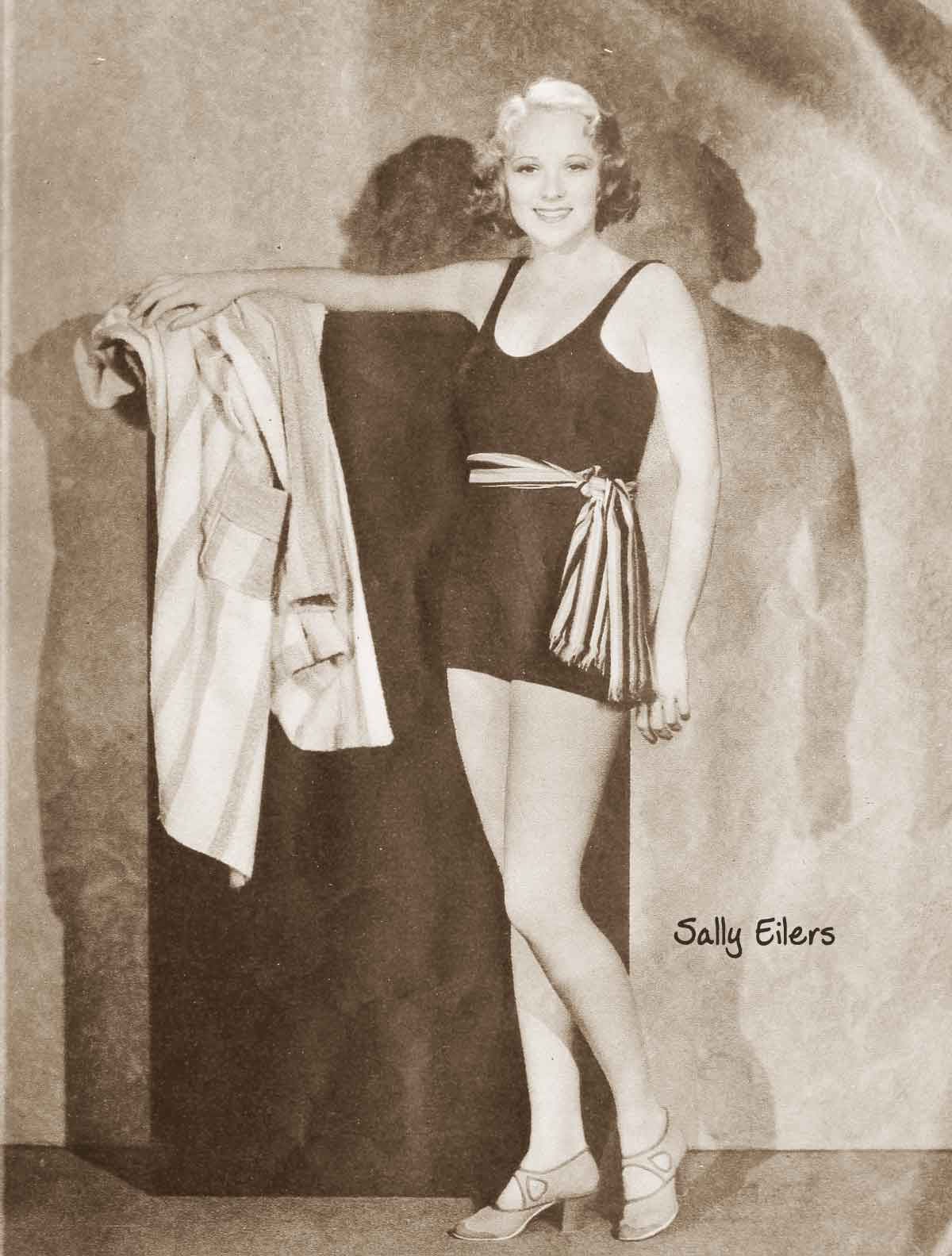 Hollywood-Swimsuit-fashion---July-1932c