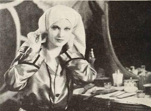 1920s-makeup-&-Beauty-Shop---Esther-Ralston