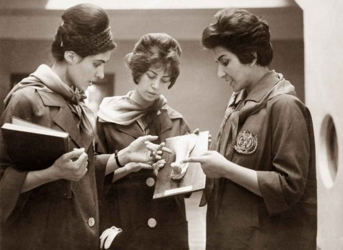 1962---afghan-mediacal-students-with-teacher