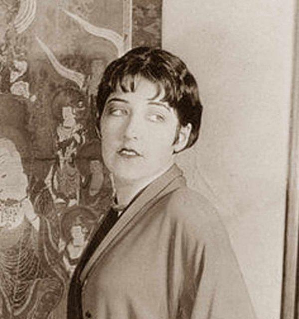 Aileen-Pringle-Shingle haircut of the 1920's