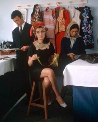 Fashion-designer-Safia-Tarzi-in-her-Kabul-studio