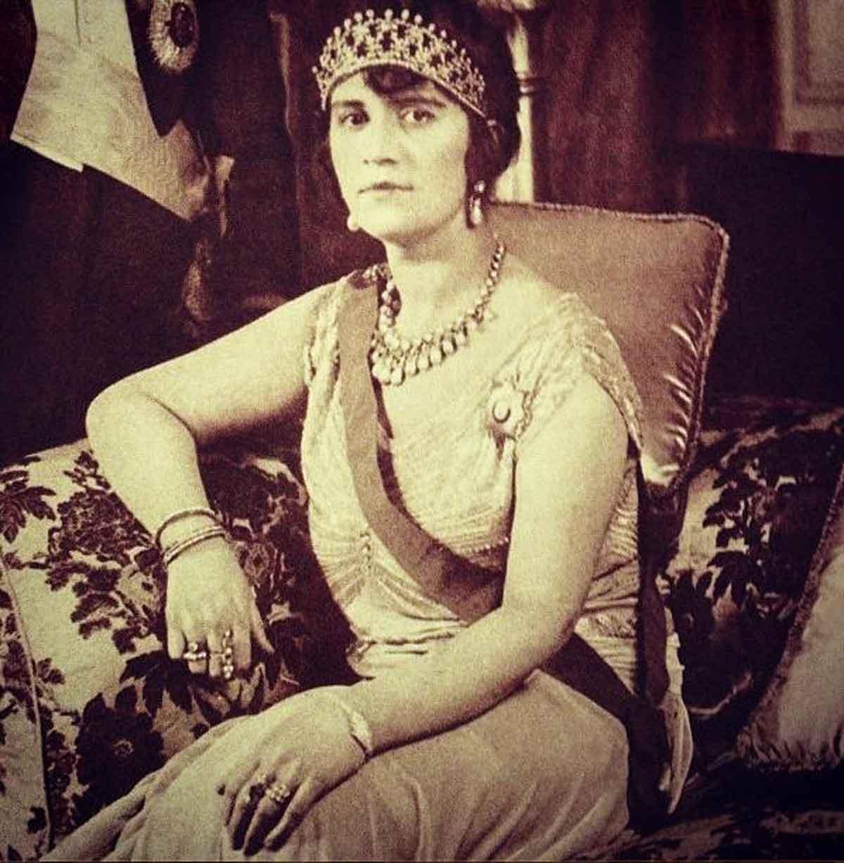 Queen-Soraya-Tarzi