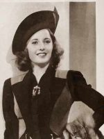 1930s-Fall-Fashion---Hollywood's-Best-Dressed---Barbara-Stanwyck