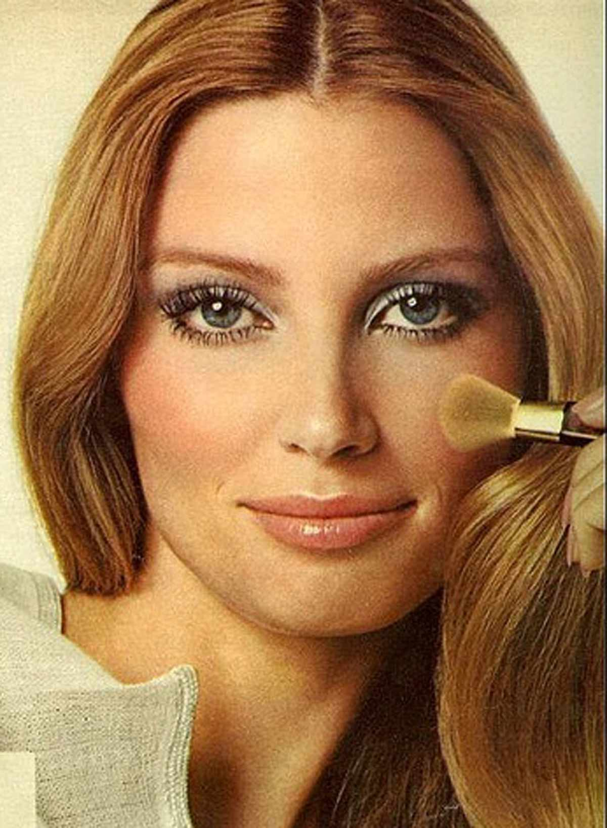 The 1970s Makeup Look 5 Key Points Glamour Daze