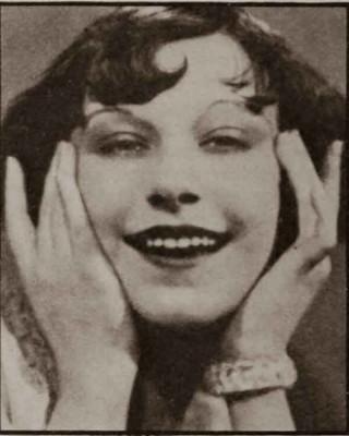 1930s-Hollywood-Beauty-Tricks---Fifi-Dorsay2