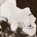 1930s Hollywood Beauty Tricks – Neck Stretch