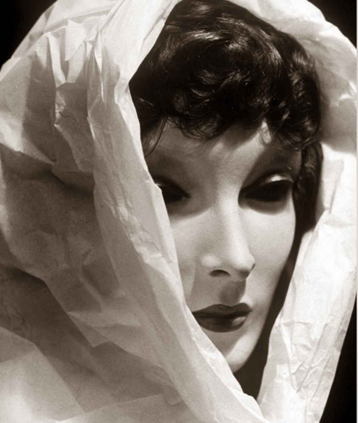 1930s-fashion---Grace-the-mannequin-1937b