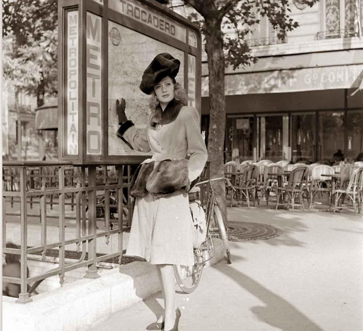 1944-Paris-Fall-fashion---Robert-Piguet