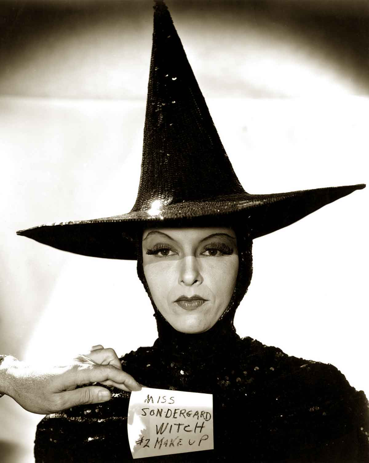 The Wizard of Oz Witch Controversy | Glamourdaze