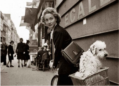 Lee-Miller-in-paris-1944