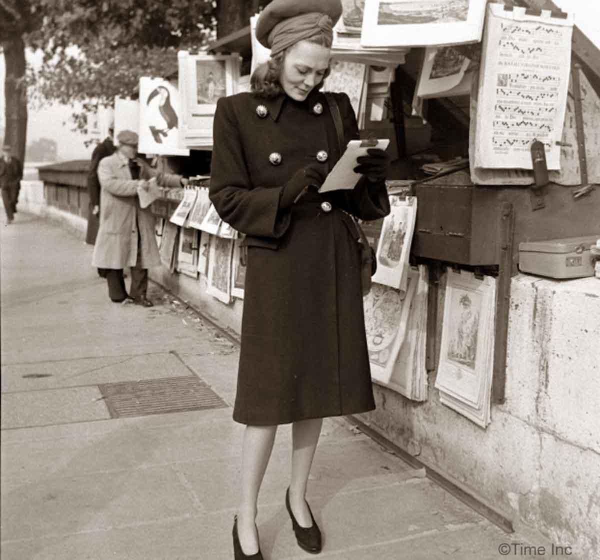 Paris Fall Fashion--in-1944-Paquin