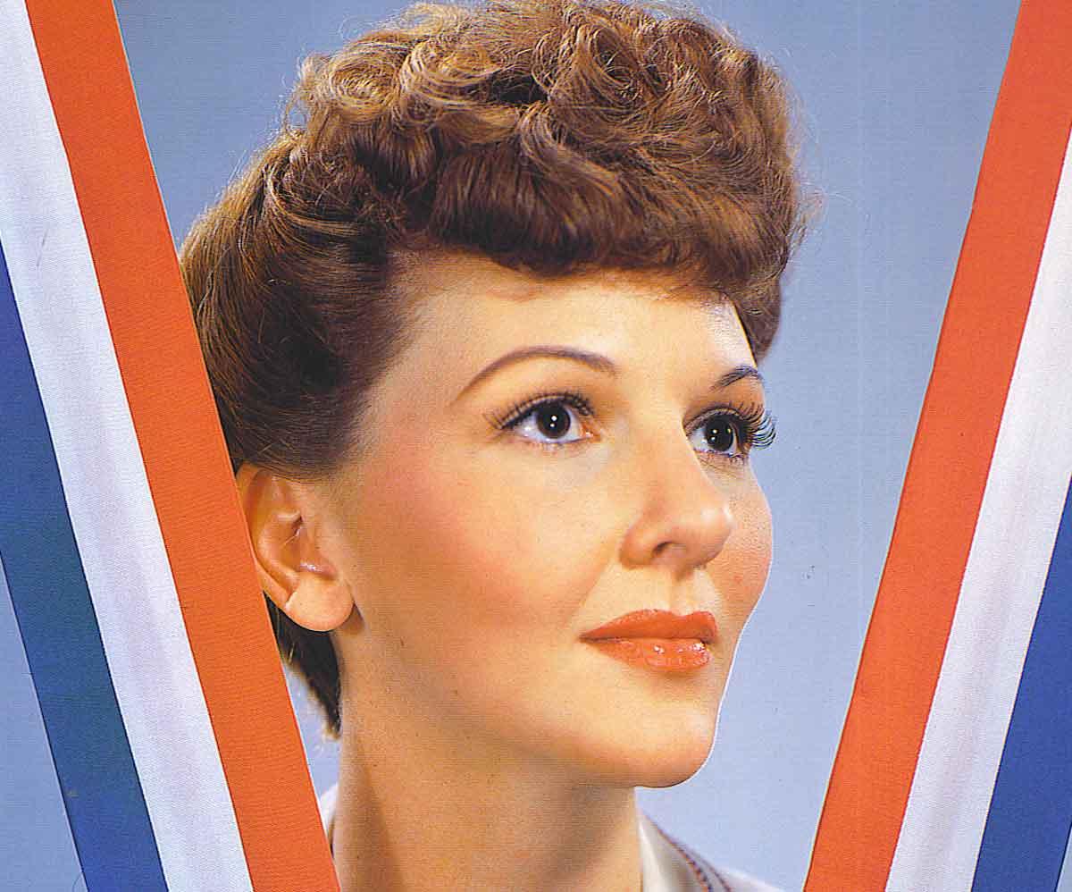 1940s-lipstick-tutorial-with-Mary-Martin1