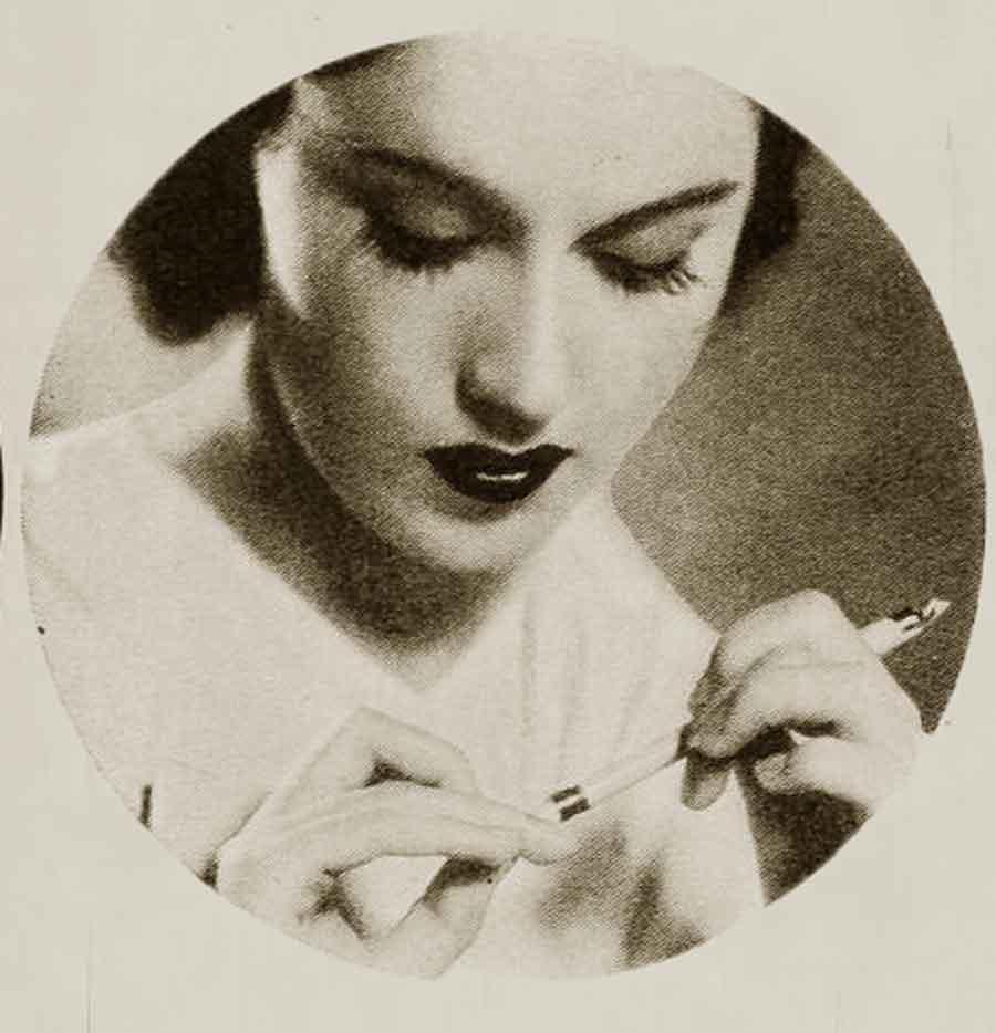 1930s-makeup-bag---Fay-Wrays-bleaching-pencil--1934
