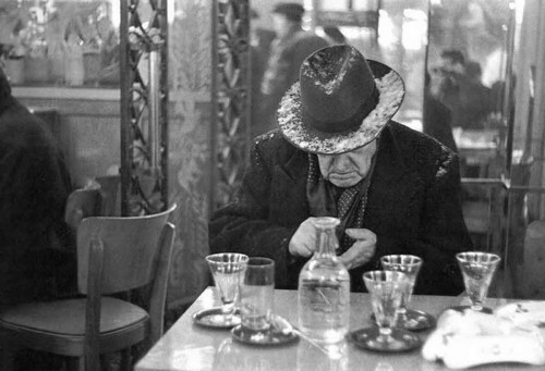1951-Louis-Stettner-Christmas-Eve----ile-Saint-Louis-Paris