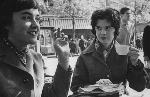 1961-Parisian-Students-at-Lunchtime---Paris-Loomis-Dean
