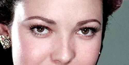 Linda-Darnell---amber-eyes