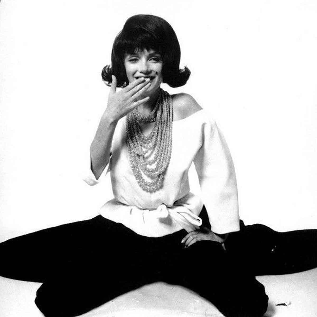 When-Marilyn-posed-as-Jackie-Onassis5