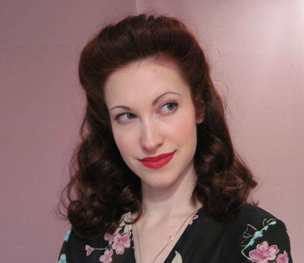 1940s-Hairstyle.Pompadour---Tia-Semer