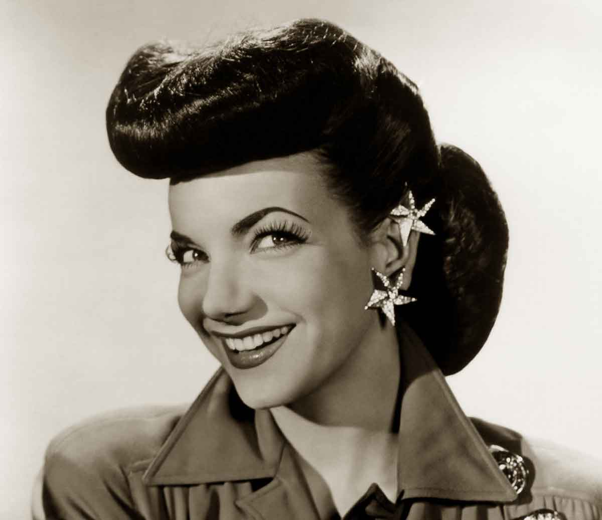 1940s hairstyles – memorable pompadours | glamourdaze