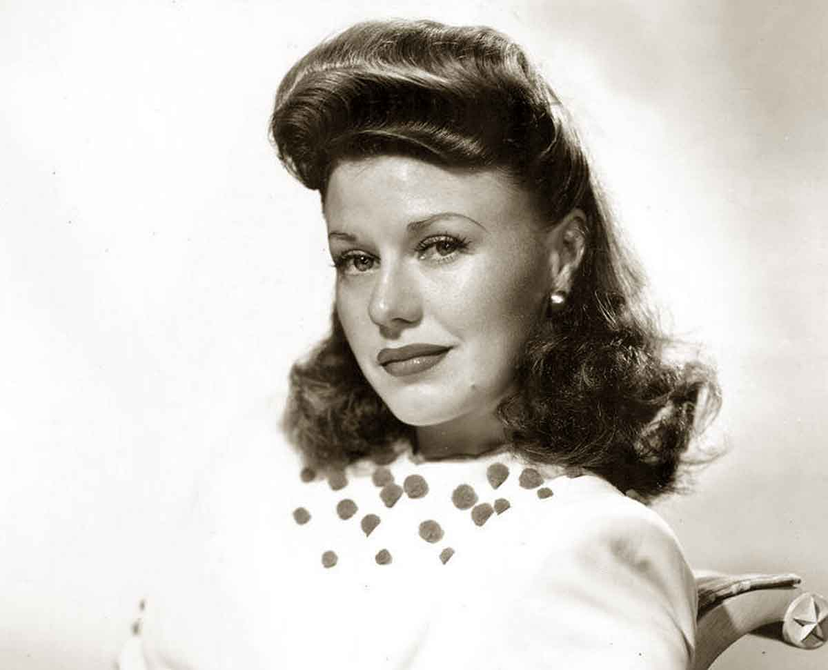1940s-Hairstyles---Memorable-Pompadours---Ginger-Rogers