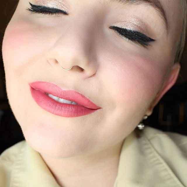 CakeMascara---Besame-Cosmetics---Emily-Bright