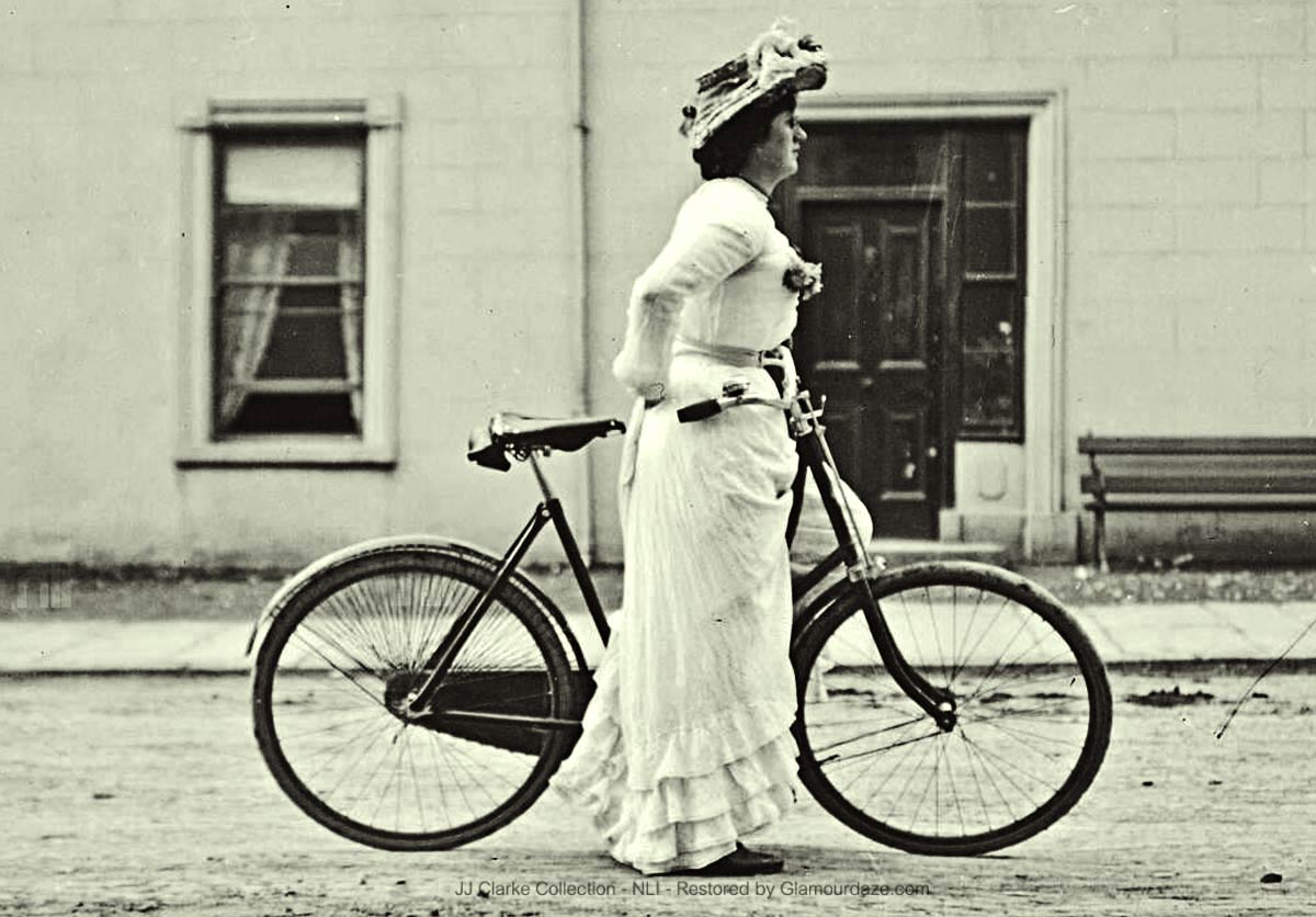 Woman-on-a-bicycle--Dublin-1904