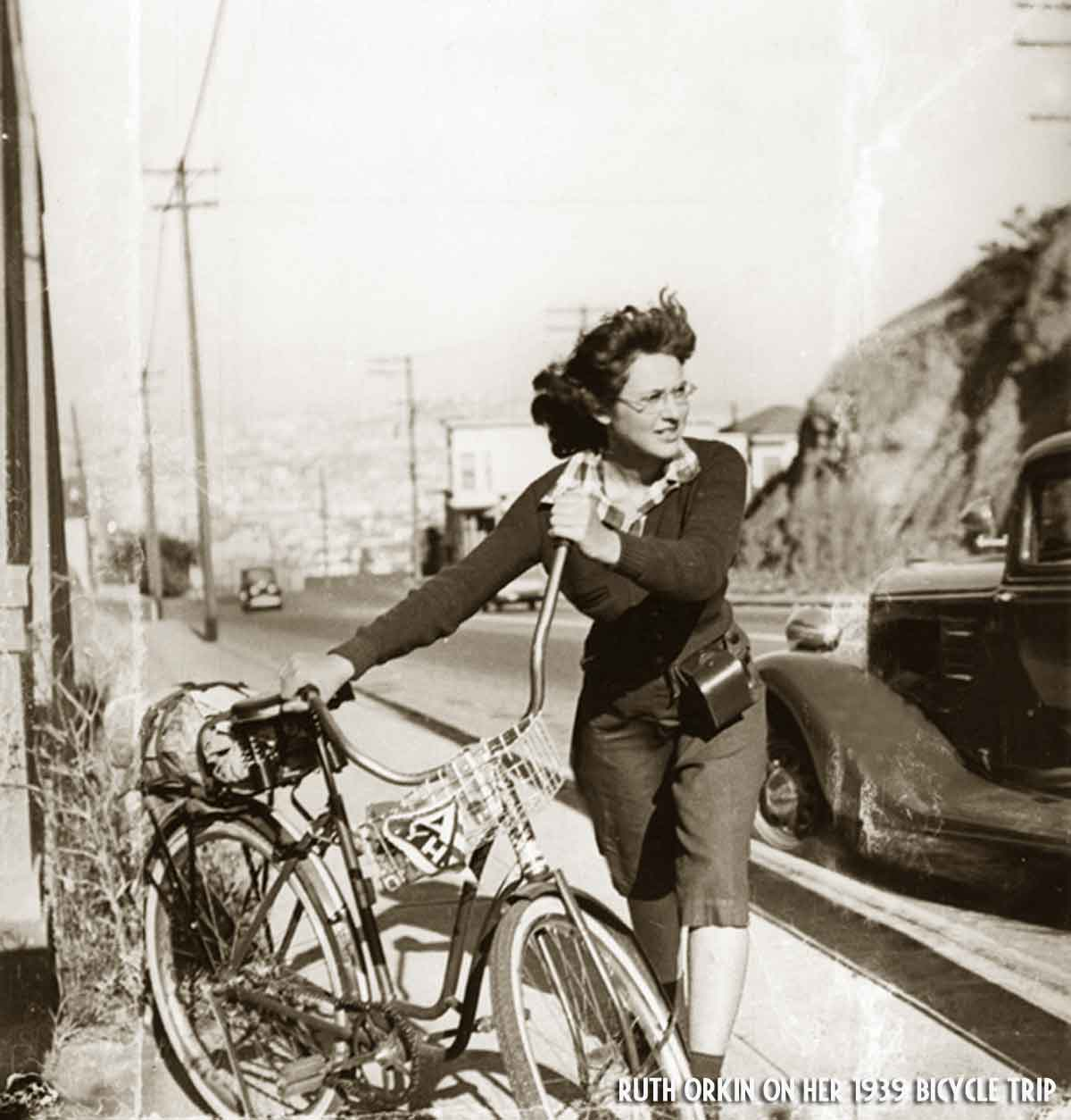 Ruth-Orkin-on-her-1939-bicycle-trip