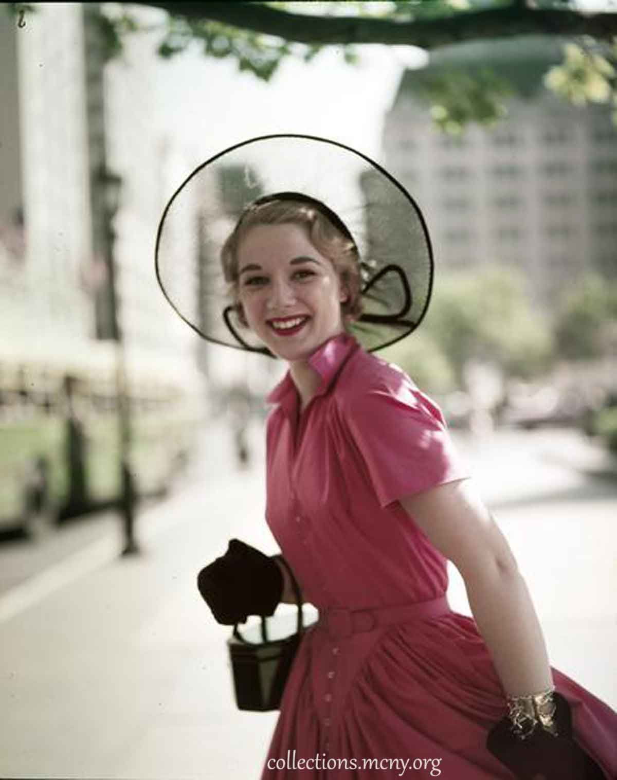 1950s-Fashion---Fifth-Avenue-Style-in-1952---Brigida-Dammes2