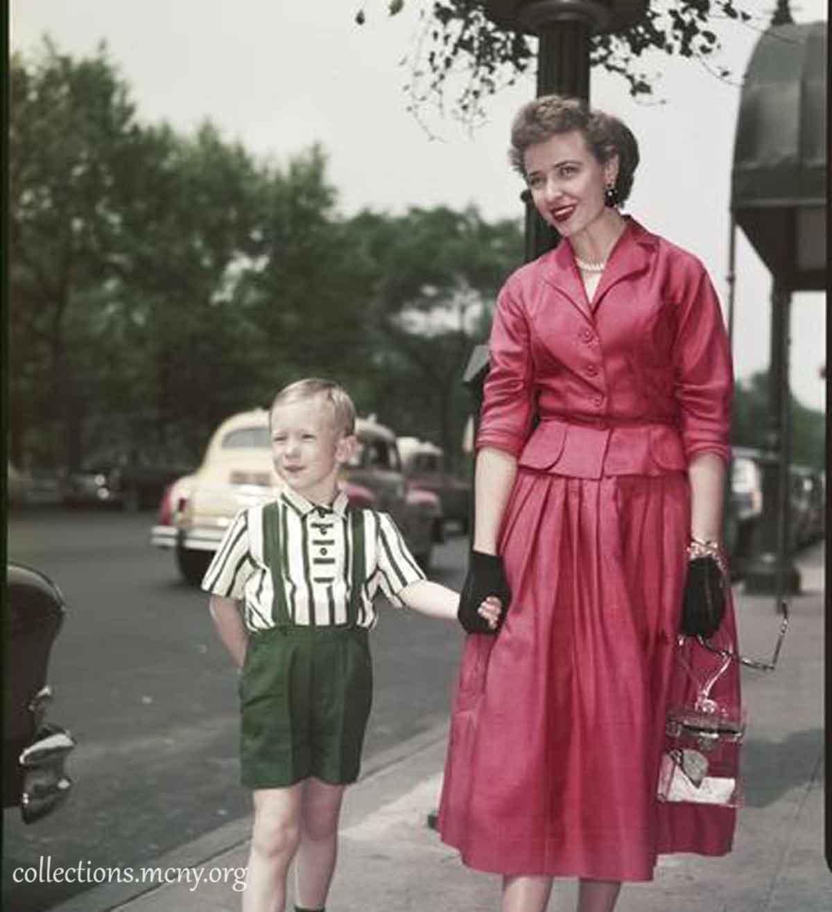 1950s-Fashion---Fifth-Avenue-Style-in-1952---Laraine-Day2
