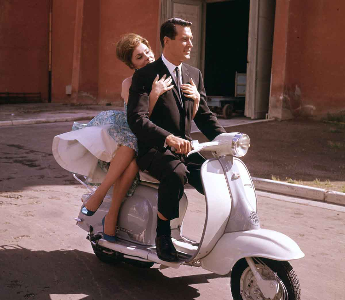 Rock-Hudson-and-Gina-Lollobrigida-ride-a-Vespa