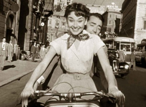 Vespa---Roman-Holiday-stars--Gregory-Peck-and-Audrey-hepburn-2