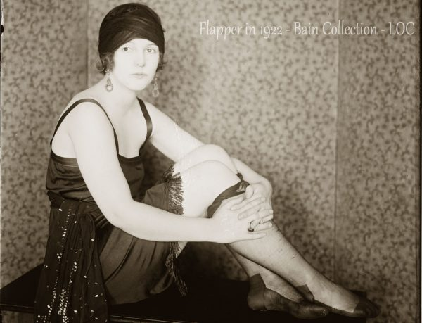 A young flapper posing in 1922 - Bain Collection