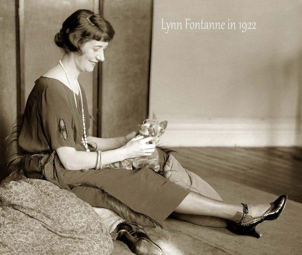 Lynn Fontanne wearing short skirt in 1922