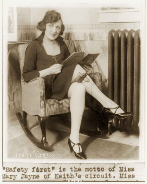 Miss-Mary-Flapper-1922