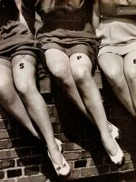 1940s-Fashion---Liquid-Stockings-for-Summer