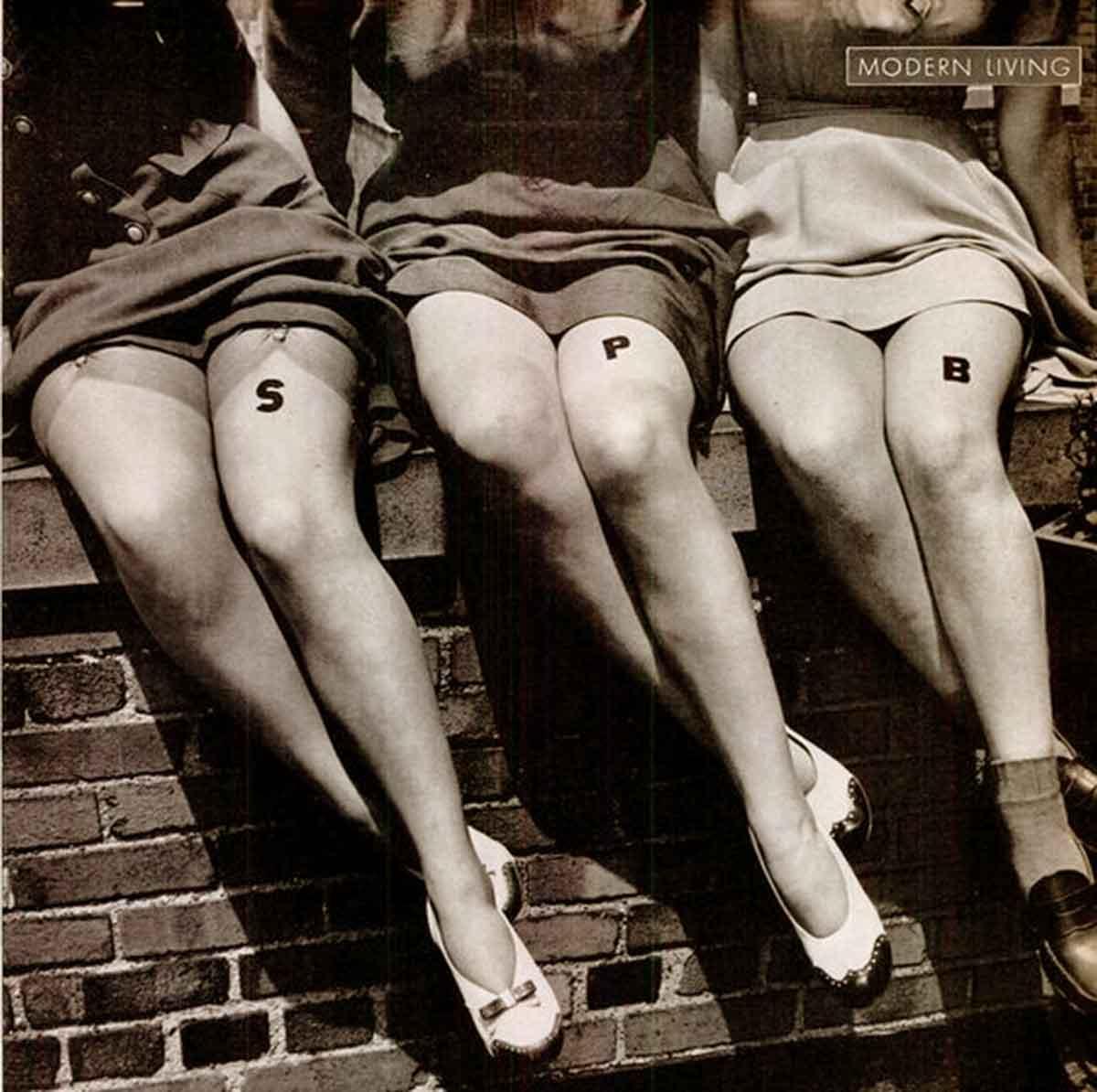 1940s-Fashion---Liquid-Stockings-for-Summer
