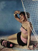 1940s-Fashion---Summer-Frock-and-Swimsuit-Styles-