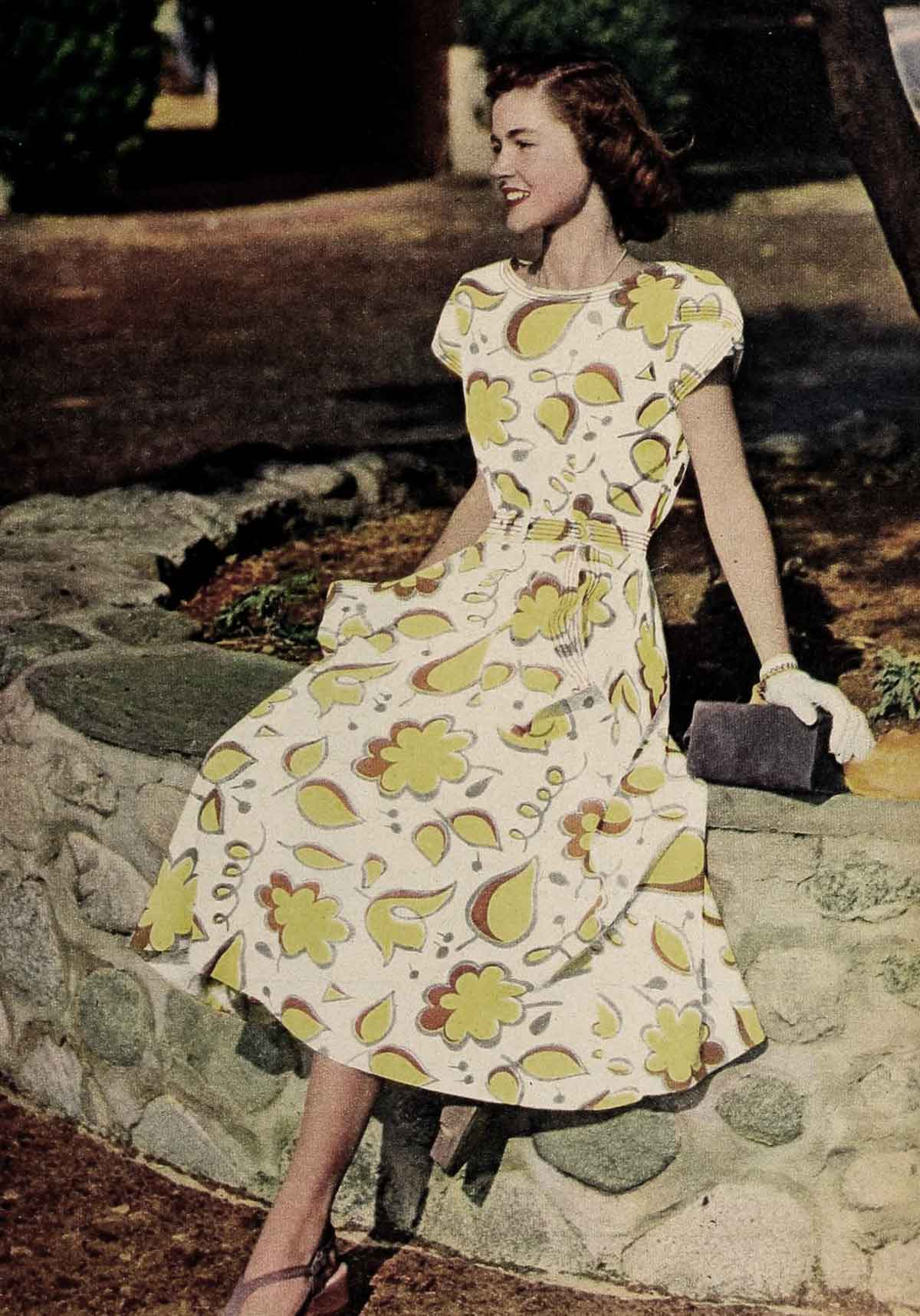 1940s Style Dresses Fashion Clothing: 1940s Fashion - Summer Frock And Swimsuit Styles