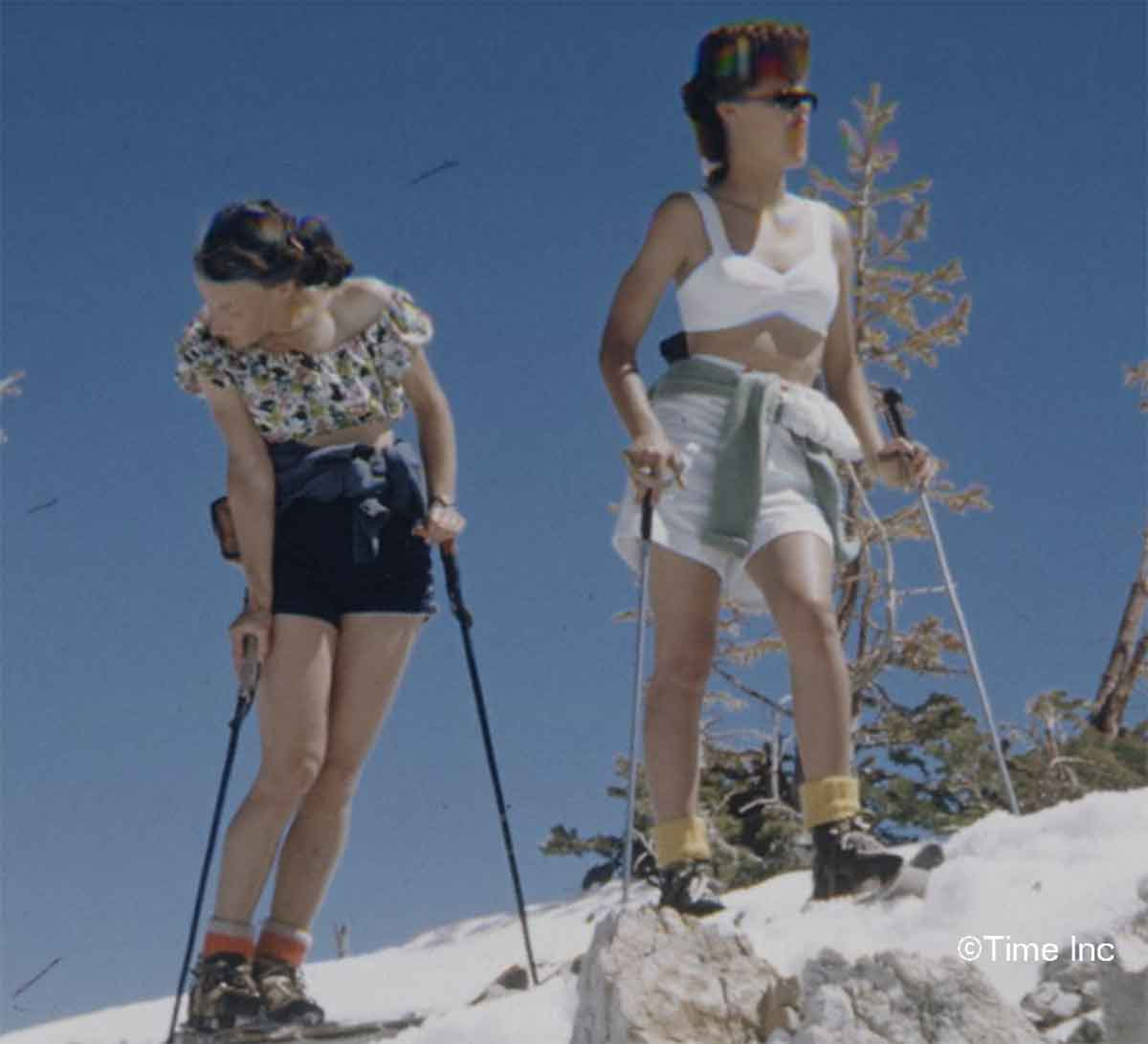 5f04a5038e 1940s-Fashion---Summer-Skiing-in-1942-10